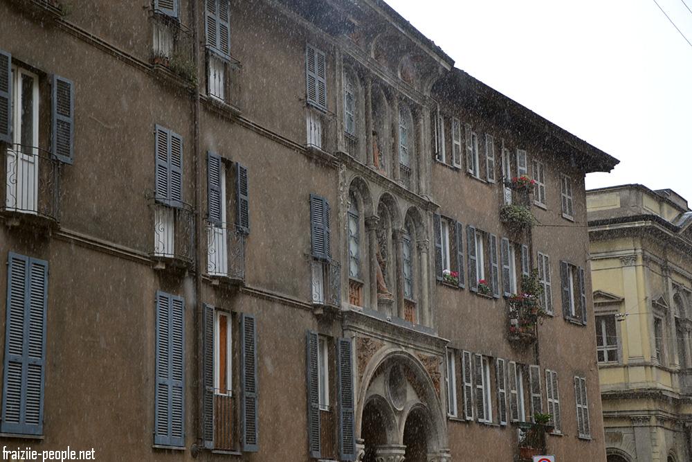 Pour ce dernier jour la neige tombe sur Milan se qui rend la ville magique comme suspendue dans le temps.
