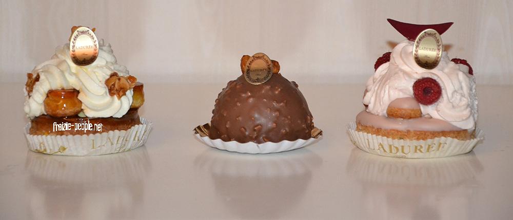 Et pour encore plus de gourmandise voici une sélection de trois pâtisseries La Durée : un Saint Honoré à la vanille, un succès au praliné et un Saint Honoré Rose-Framboise