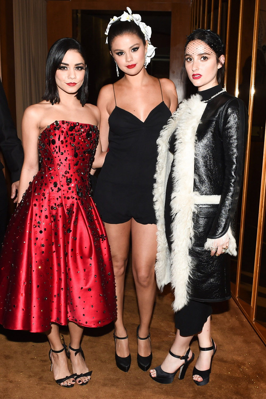 Vanessa Hudgens, Selena Gomez et  Jillian Banks à l'after du MET Gala. J'adore sa combi short <3