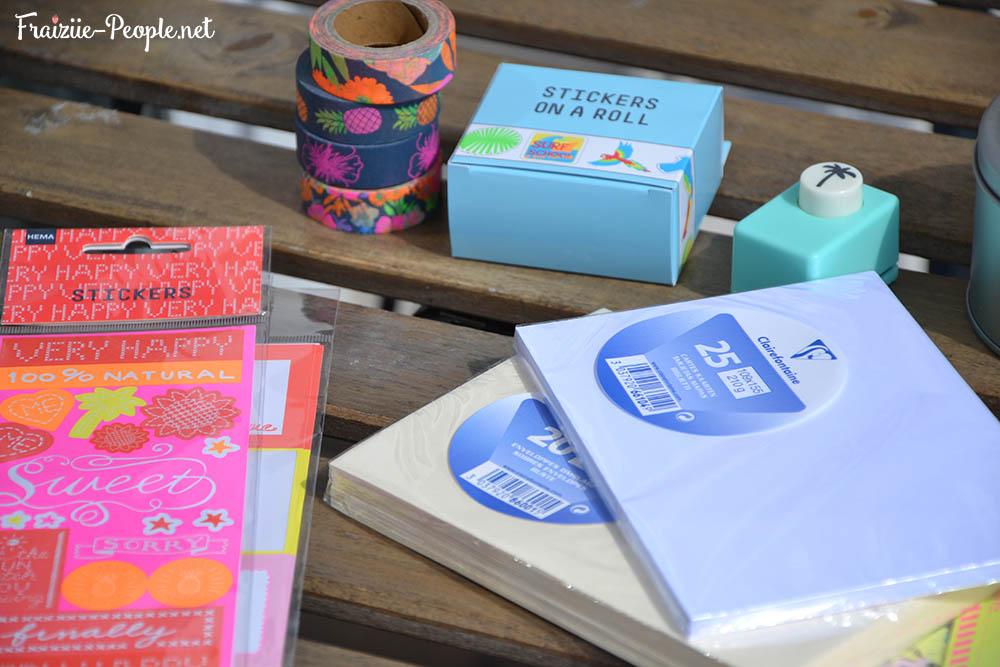 Matériel, cartes postales