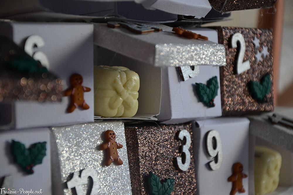 calendrier de l'avent en sapin de Noël chocolat blanc