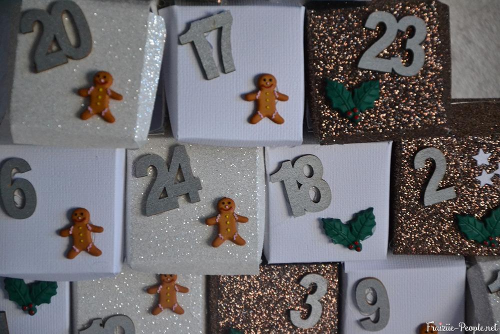 calendrier de l'avent en sapin de Noël zoom