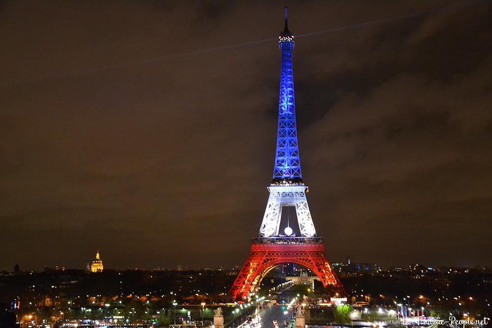 Balade parisienne tricolore tour eiffel