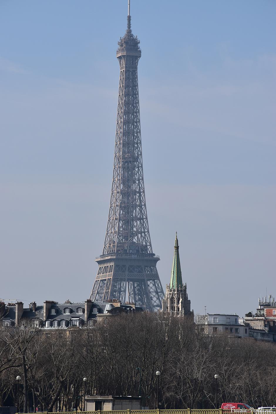 La Tour Eiffel vue du Pont Alexandre III