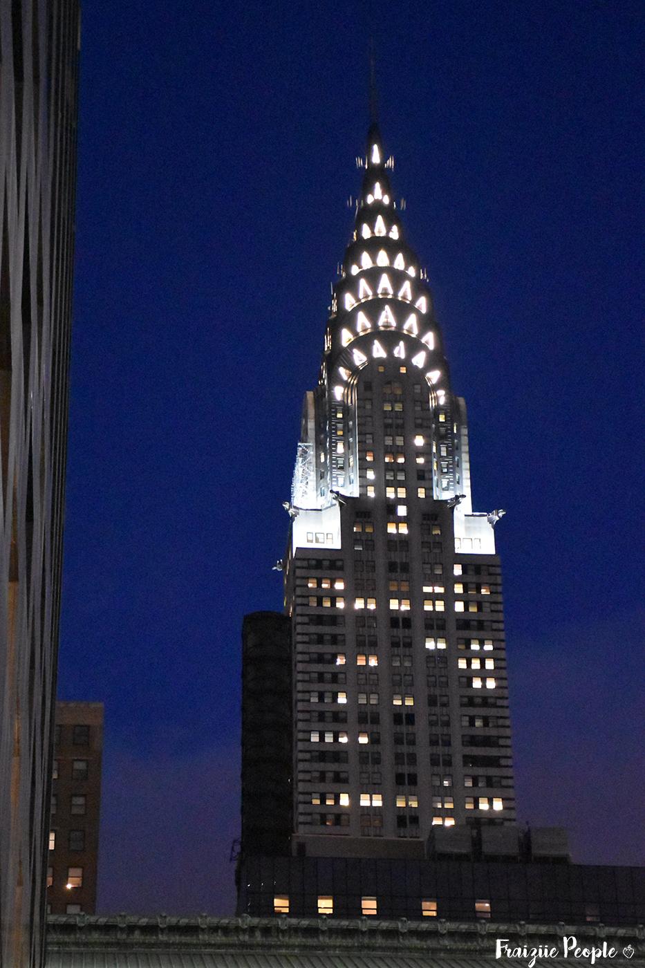 Le Chrysler Building de nuit.