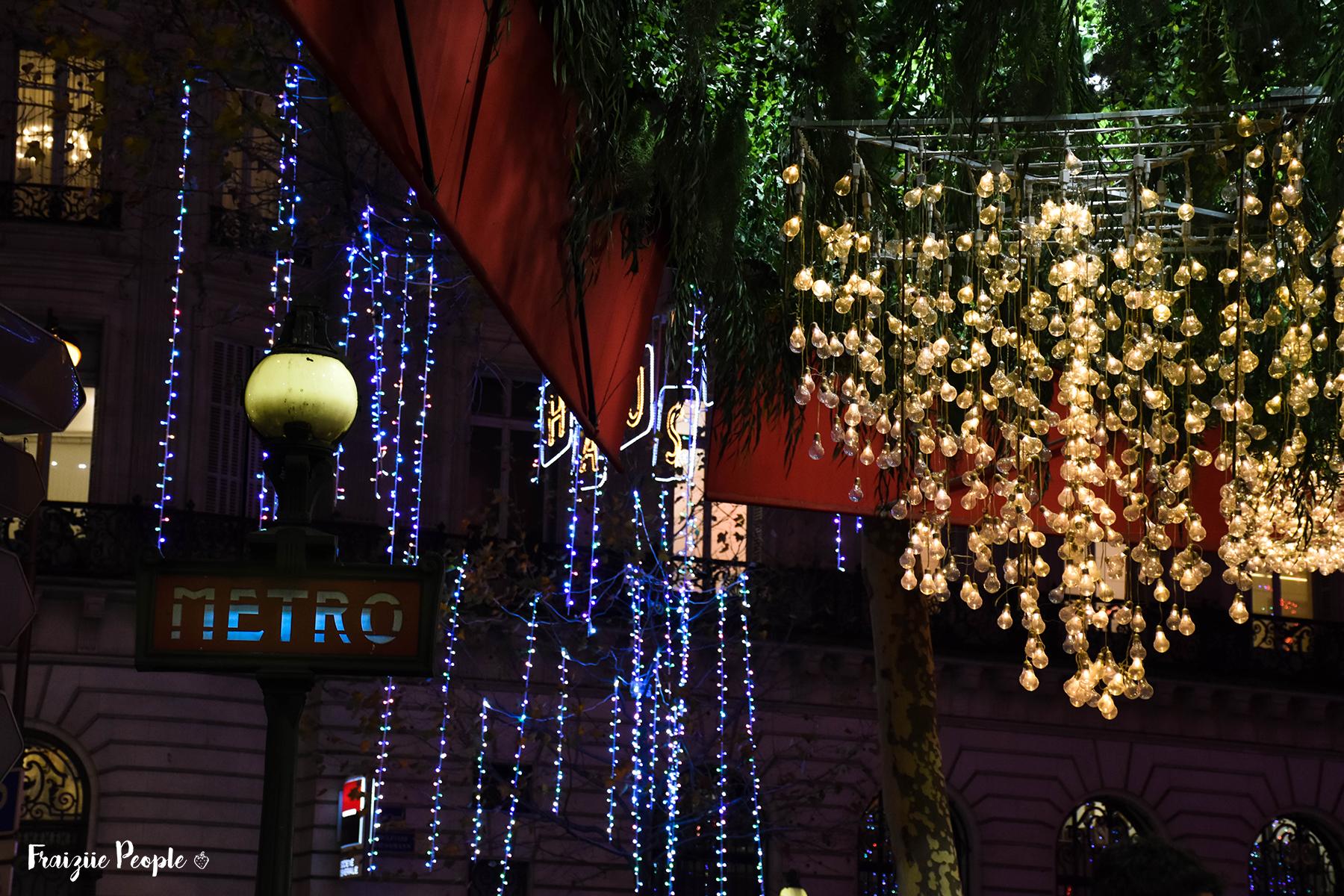 Métro décoré pour Noël - Fraiziie-People